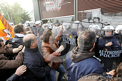 Municipal workers clash with riot police Editorial Image