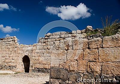Mur intérieur du nord de de forteresse de Belvoir