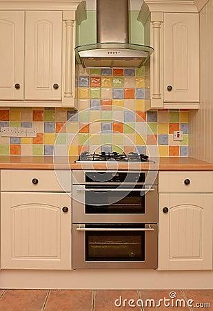 mur vitr de tuile dans la cuisine moderne image stock image 38103461. Black Bedroom Furniture Sets. Home Design Ideas