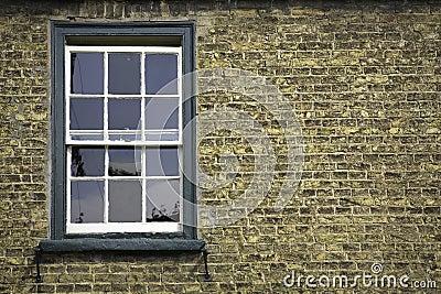 Muro di mattoni con la finestra fotografie stock libere da diritti immagine 7354558 - La finestra biz ...