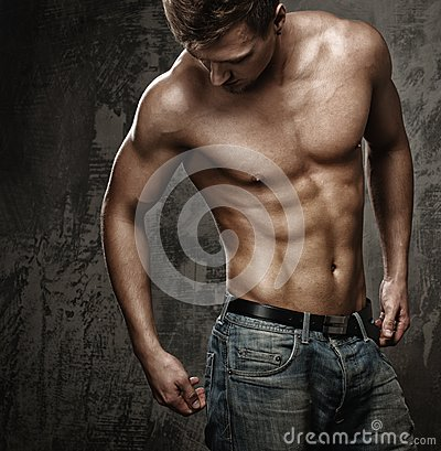 Free Muscular Man S Body Royalty Free Stock Photo - 39584365