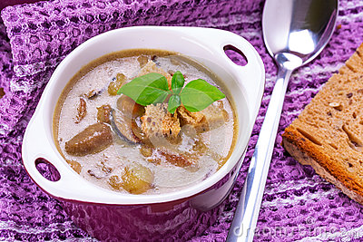 Mushroom soup with potato