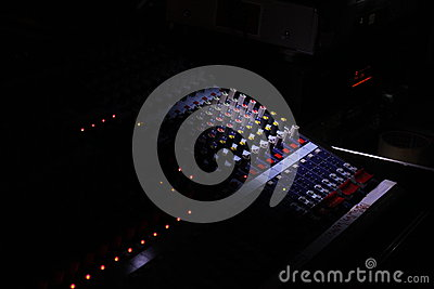 Music mixer darkling