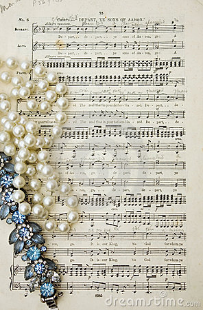 Music scores by Mendelssohn with pearls