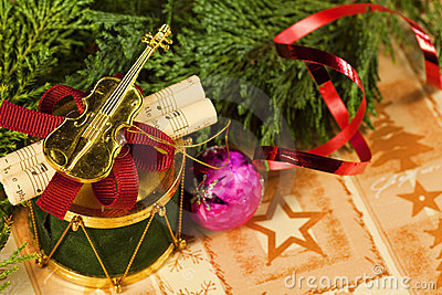Musical Christmas Ornament - Macro