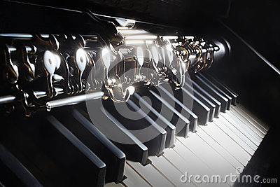 Musical instruments piano and oboe