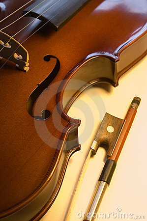 Musical instruments: violin and bow close up (7 )