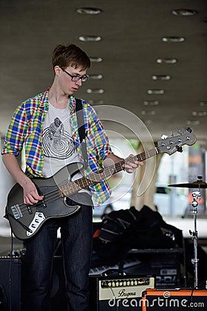 Free Musician Plays Guitar Stock Photo - 54236750