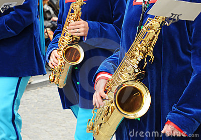 Musicians waiting to play the sax
