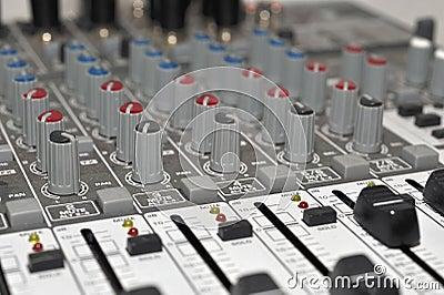 Musik-Studio-Mischer