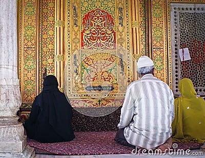 Muslims praying in Nizamuddin shrine, New Delhi Editorial Photography