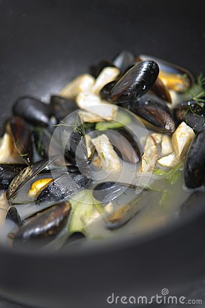 Mussels in a cooking pot