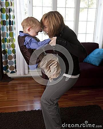 Mutter- und Sohnspiel
