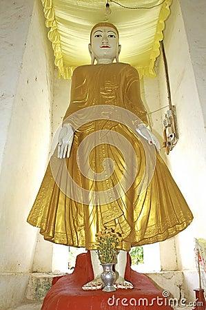 Myanmar, Mingun: white pagoda
