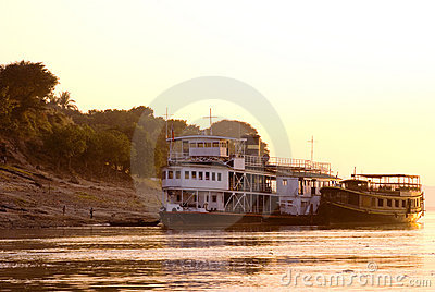 Myanmar s lifeline the irrawaddy riv