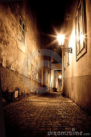 Free Mysterious Narrow Alley Stock Image - 11951011
