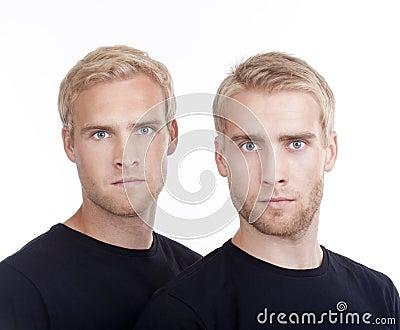 δίδυμο πορτρέτου αδελφώ&n
