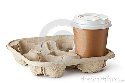 Één meeneemkoffie in houder