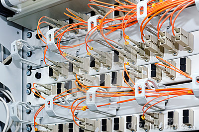 Nadruk op vezel optische kabels