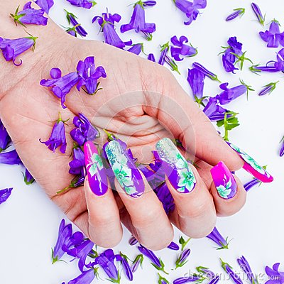 Free Nails Decorated With Floral Arrangements For A Colorful Spring A Royalty Free Stock Photo - 99937365