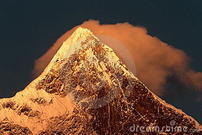 The Namjagbarwa peak