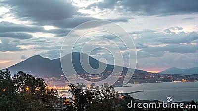 Naples z górą Vesuvius w wschodzie słońca zbiory wideo