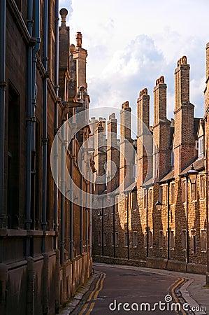 Narrow Cambridge street