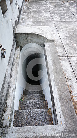 Free Narrow Stair 02 Royalty Free Stock Images - 42430619