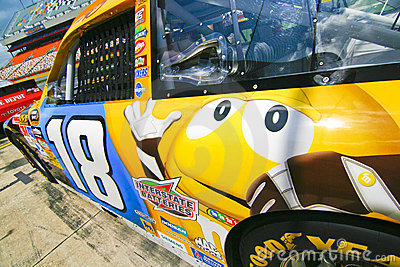 NASCAR - Busch s #18 Yellow M&M Editorial Stock Image