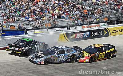 NASCAR:  March 20 Scotts Turf Builder 300 Editorial Photography