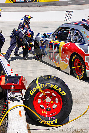 NASCAR - Pit Crew Tire Damage and Repair Editorial Photo