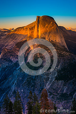 Free National Park Yosemite Half Dome Lit By Sunset Light Glacier Poi Royalty Free Stock Images - 76578759