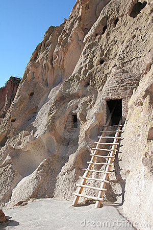 Native American cliff dwelling
