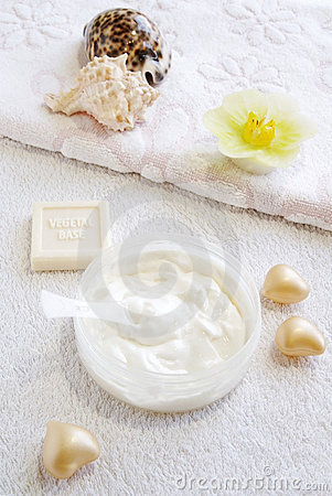 Natural cream-scrab for face and body care