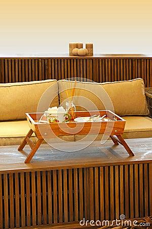 Natural divan detail