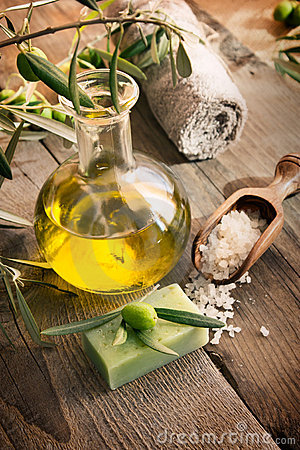 Free Natural Spa Setting With Olive Products Royalty Free Stock Photo - 21897715