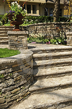 Free Natural Stone Landscaping Royalty Free Stock Image - 5289416