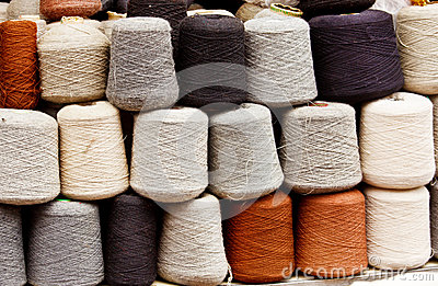 Natural wool yarn