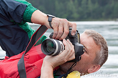 Nature  photographer  takes pictures