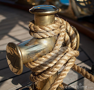 Free Nautical Rope On The Cleat Stock Image - 21098201