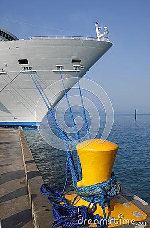Navio de cruzeiros entrado
