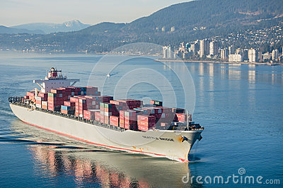 Navire porte-conteneurs Image stock éditorial