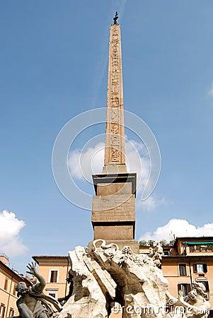 Navona s obelisk