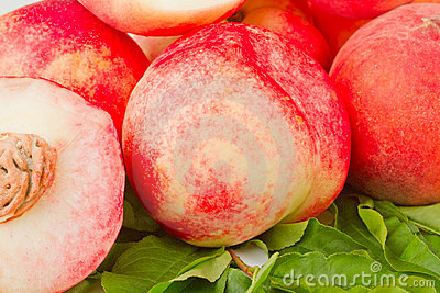 Nectarine and peach fruits