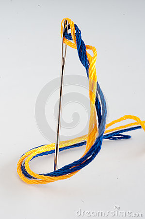 Free Needle And Embroidery Thread Royalty Free Stock Photography - 28909267
