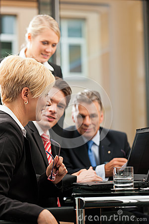 Negócio - reunião da equipe em um escritório