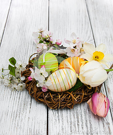 Free Nest With Easter Eggs Royalty Free Stock Image - 88967276