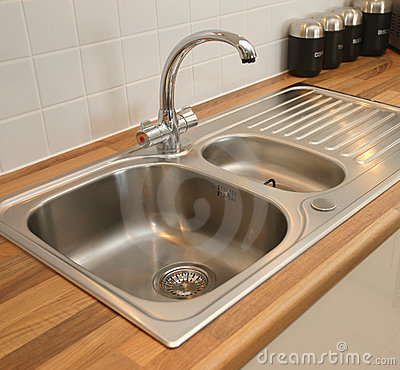 Free New Domestic Kitchen Sink Royalty Free Stock Photos - 8304148