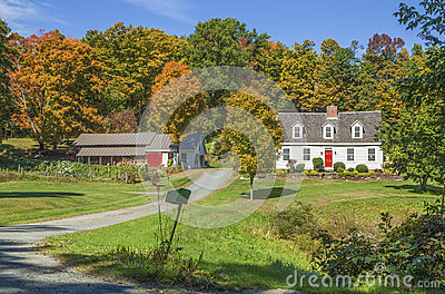 New England Country Home With Autumn Colors Stock Photo