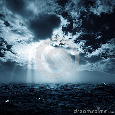Free New Hope In The Stormy Ocean Royalty Free Stock Images - 40591339